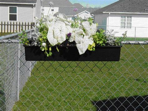 Planters On Fence by Best 25 Fence Planters Ideas On Happy Day