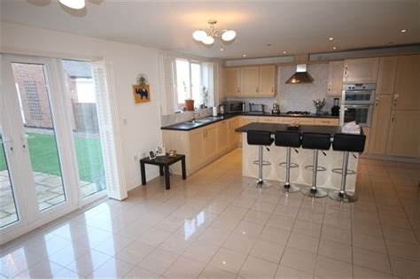 kitchen layout 3m x 5m 5 bedroom detached house for sale in dale way fernwood