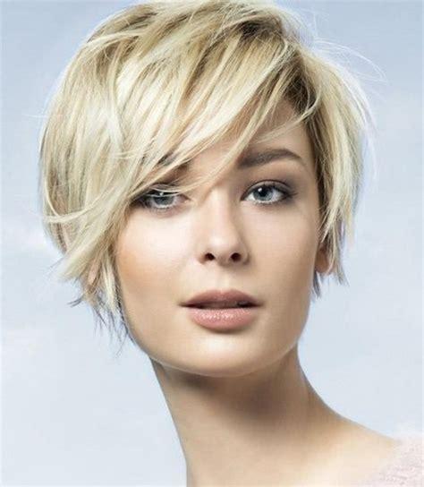 cheveux courts visage ovale coupe de cheveux court visage ovale