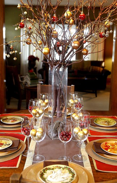 christmas table centerpieces inexpensive decorators create affordable centerpieces www springfieldnewssun