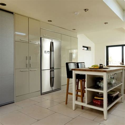 Howdens Bedroom Units 1000 Ideas About High Gloss Kitchen Doors On
