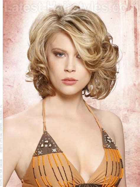 hot short haircuts for curly hair 11 sexy short curly hairstyles haircuts for 2017