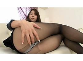 serial-nylon-stockings-subtitle