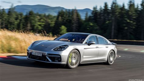porsche panamera turbo 2017 wallpaper cars desktop wallpapers porsche panamera turbo s e hybrid