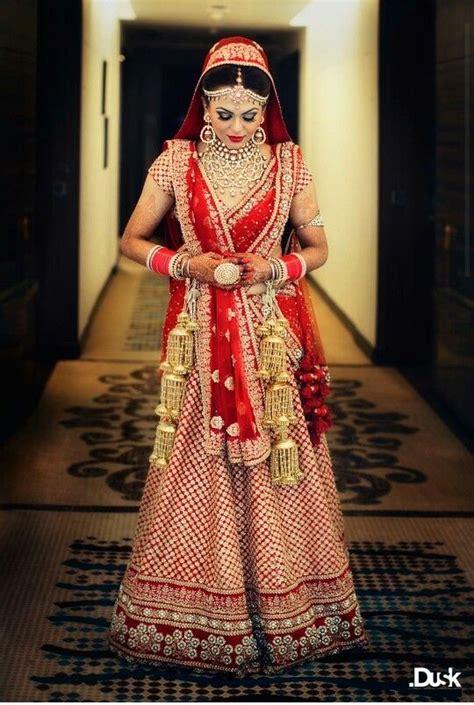 lehenga sarees draping styles lehenga dupatta draping styles 8 outfit4girls com
