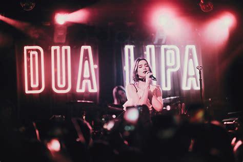 dua lipa concert indonesia dua lipa 03 04 17 boston ma stitched sound