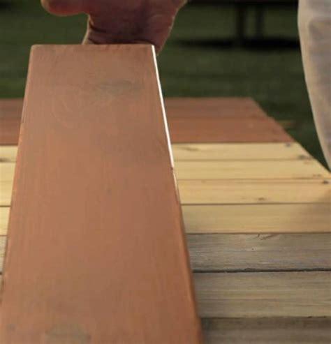 terrasse neu gestalten streichen sie farbig die
