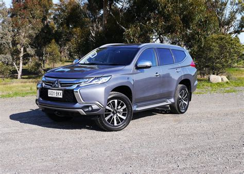 mitsubishi pajero sport 2017 2017 mitsubishi pajero sport gls 7 seat review a more