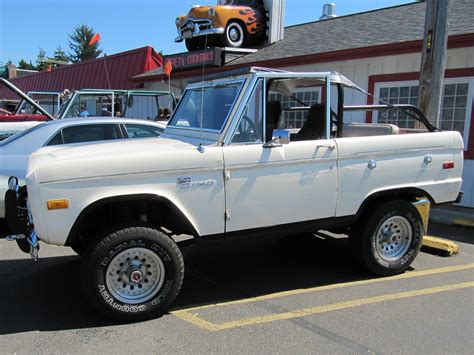 tom s bronco parts photo gallery of 66 77 ford broncos