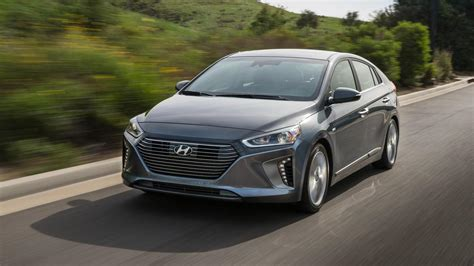 what does the word hyundai s world car of the year does the 2018 hyundai ioniq
