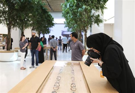 apple yas mall apple opens its first stores in arab world in the emirates
