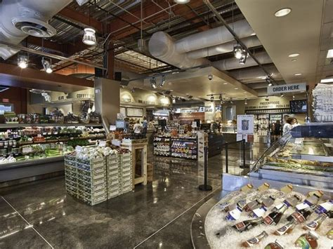 Hubbell And Hudson Kitchen by Woodlands Shocker Landmark Grocery Store Is Suddenly