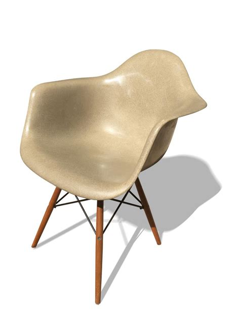 charles and eames chair price daw chair by charles eames for herman miller 1970