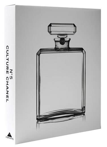 1419711350 no culture chanel no 5 culture chanel book by jean louis froment