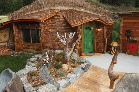 pictures of hobbit houses a monolithic dome hobbit house monolithic dome institute