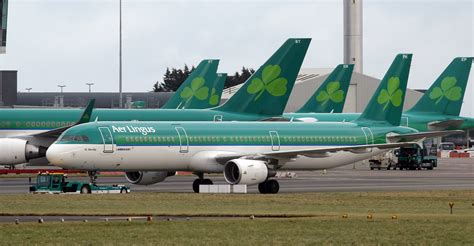 Aer Sc 07 C airways parent iag set to buy stake in ireland s aer lingus cbs news