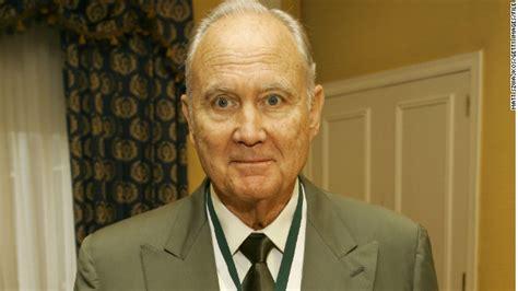 General H Norman Schwarzkopf Essay by Stormin Norman Schwarzkopf Lauded Gulf War Commander Dies Cnn