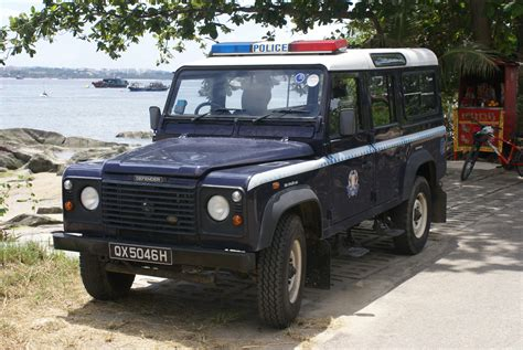 File Singapore Police Force Land Rover Defender Pulau