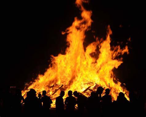 le livre des feux une saint jean catalane envol 233 es cat