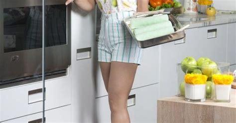 allison victoria from kitchen crashers high heels hobby alison victoria from kitchen crashers high heels