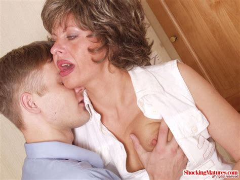 Sex ungry mom