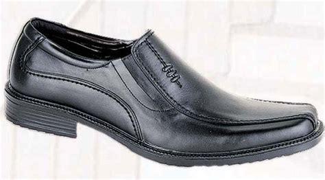 Sepatu Pantofel Murah Pria Versace Bustong jual sepatu formal pria murah gvn 276 38