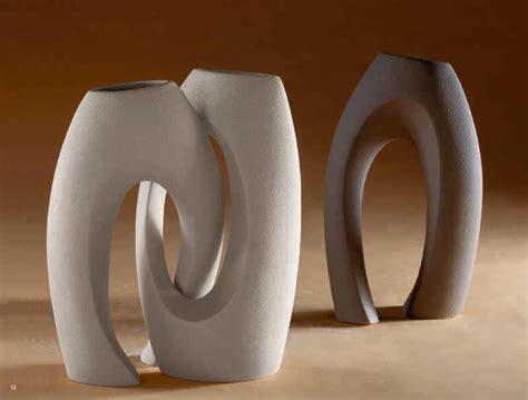 vasi in gres vaso abbraccio in gres porcellanato di cristofalo