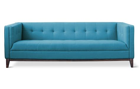 blue sofa what s the difference between sofa and couch