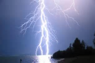 Lightning Struck Positive Lightning Strikes Intensify As Cosmic Rays