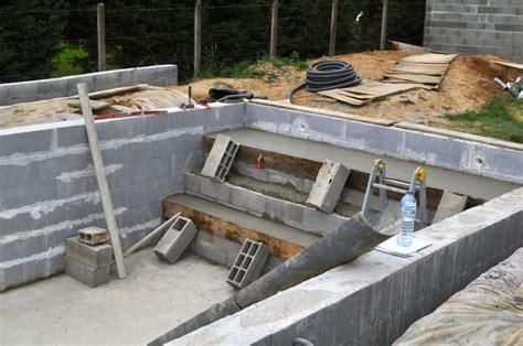 Faire Construire Une Piscine 1232 by Escalier Piscine En Blocs Polystyr 232 Ne