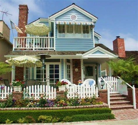 balboa island cottages house
