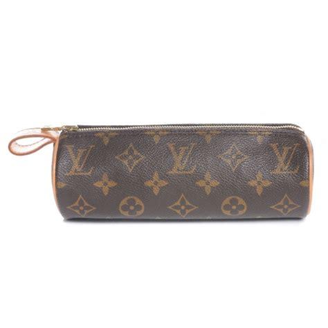 Louis Vuitton Make Up Kit Eyeshadow Blush On Lipstick louis vuitton monogram trousse ronde 20 makeup 46723