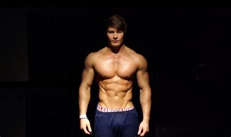 jeff seid max bench why monday s are chest day build lean muscle the smart way