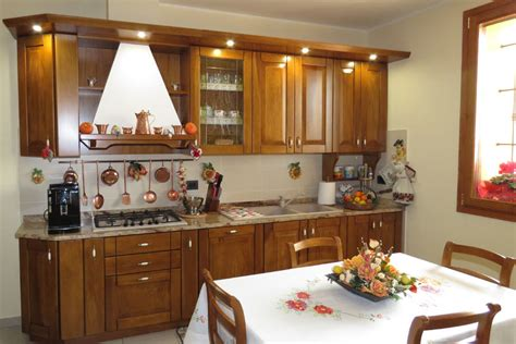 cucine in legno massiccio cucine artigianali su misura in legno massiccio naturale