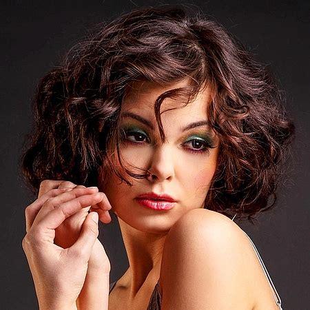 kurze haare mit naturlocken