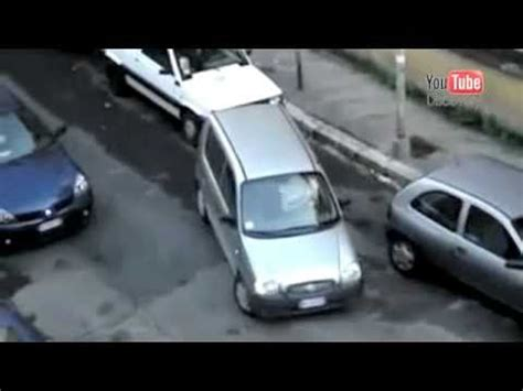 donne al volante incidenti divertentissimi incidenti divertenti donne al volante doovi