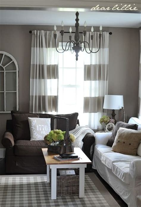curtains to go with beige walls 25 best ideas about chocolate brown couch on pinterest