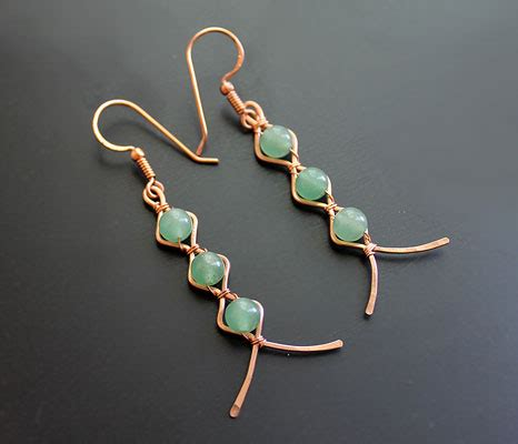 Zig Zag Earrings by Albina Manning, a Free Jewelry Pattern from Wire Sculpture.com