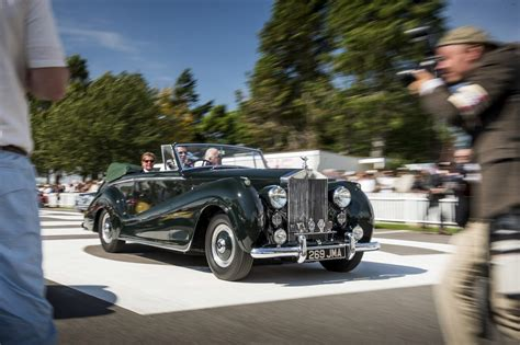 rolls royce classic 2016 rolls royce celebrates 2016 goodwood revival just british