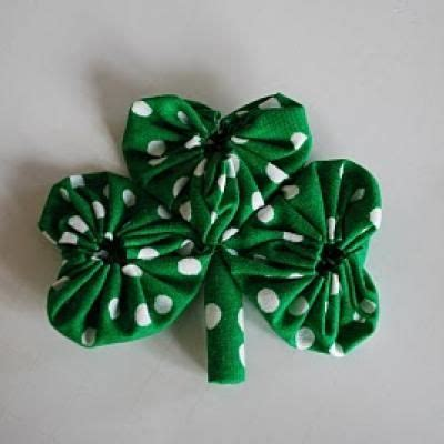 ribbon shamrock instructions fabric shamrock tutorial st patrick s day crafts