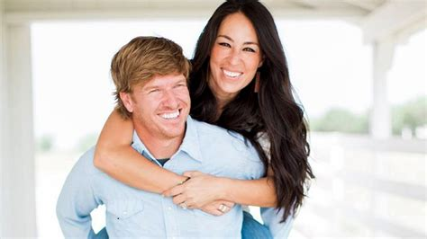 chip and joanna chip and joanna gaines net worth tv personality 2017