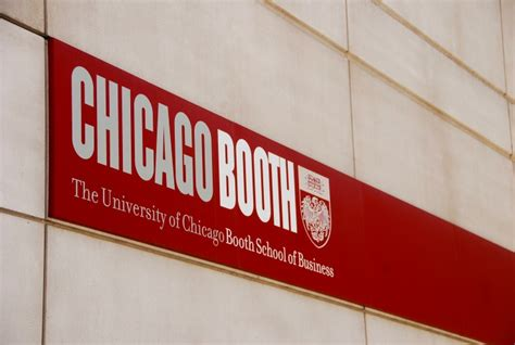 Chicago Booth School Part Time Mba by New Chicago Booth Scholarships For Nonprofit Govt