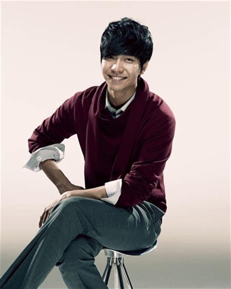 lee seung gi football december 2011 gallery artist