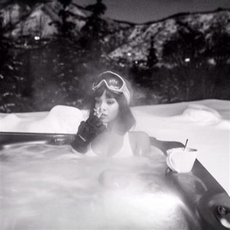 rihanna bathtub rihanna in bikini in hot tub in aspen hawtcelebs