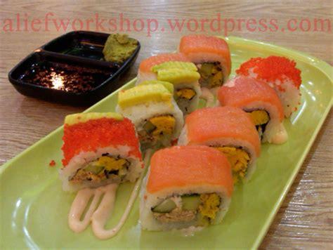 Teh Kotak Di Lotte Mart sushi in a box yaa sushi box alief workshop