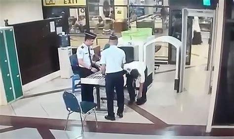 citilink drunk pilot watch video shows drunk pilot stumbling through airport