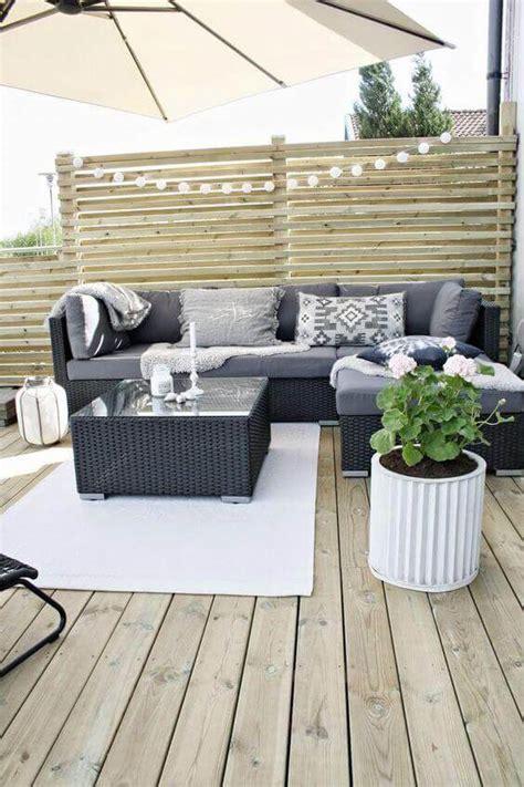 cozy small backyard deck designs