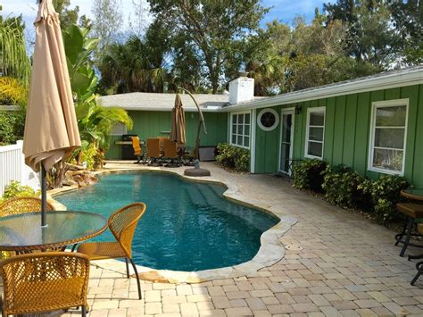 vrbo siesta key 1 bedroom inviting 1 br 1ba very short walk to white vrbo