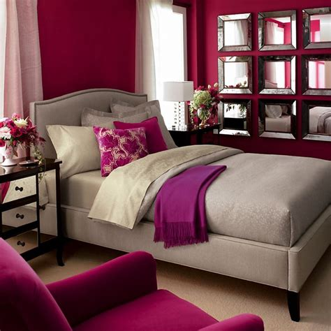 magenta bedroom 1000 images about decorating rooms with raspberry on
