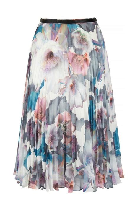 yumi floral pleated skirt from alaska by the room